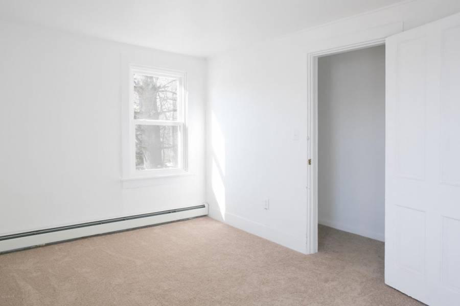 1409 BLOOMINGROVE,ROAD,Williamsport,Pennsylvania 17701,3 Bedrooms Bedrooms,5 Rooms Rooms,1 BathroomBathrooms,Rental,BLOOMINGROVE,WB-82965