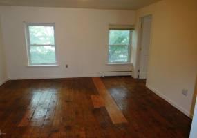150 West FOURTH,STREET,Williamsport,Pennsylvania 17701,2 Bedrooms Bedrooms,4 Rooms Rooms,1 BathroomBathrooms,Rental,FOURTH,WB-81102